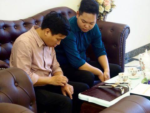 Khi mua đồng hồ Rolex  tại Gia Bảo Luxury, khách hàng sẽ được tư vấn bởi các chuyên gia đồng hồ cao cấp