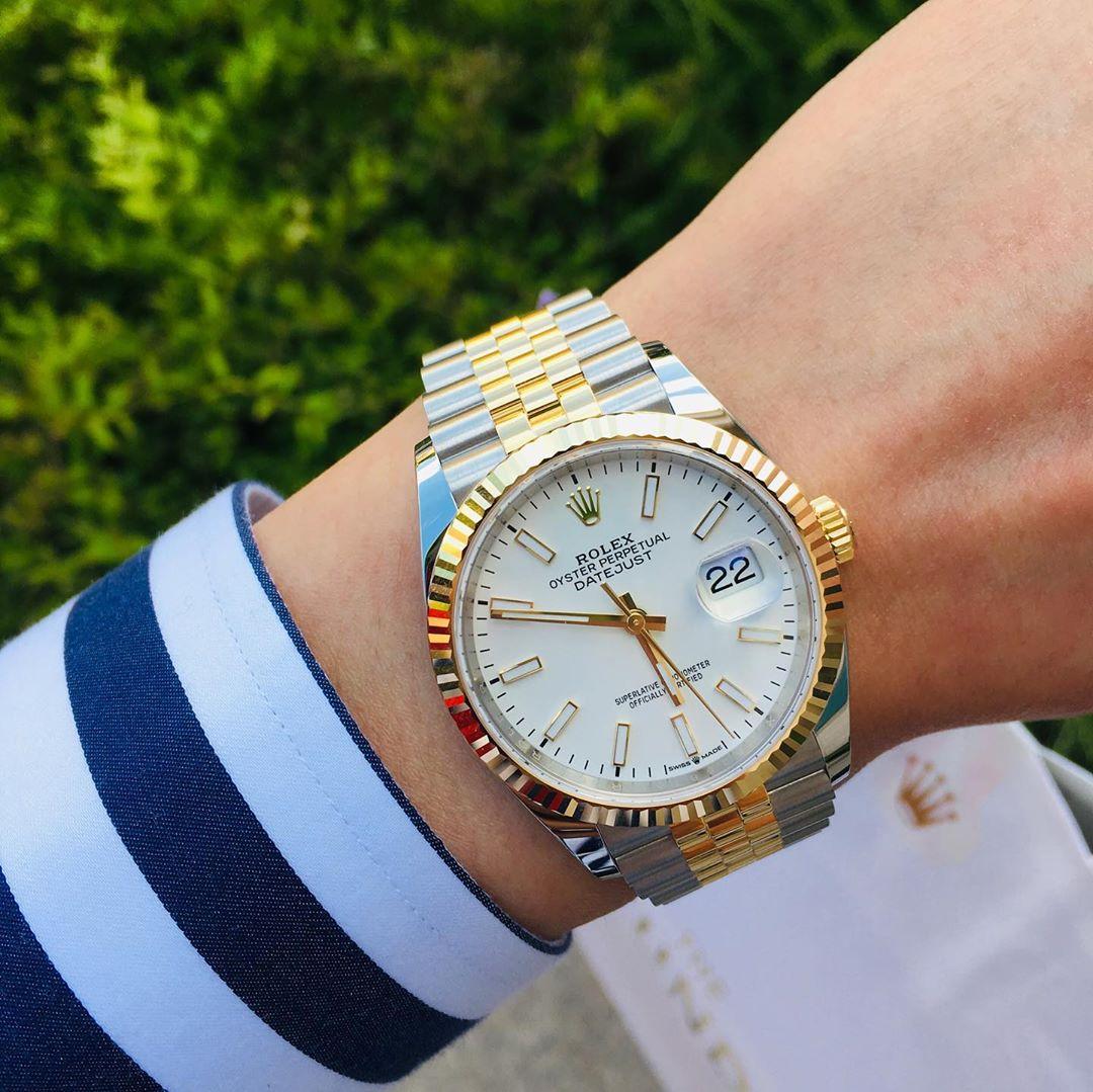 Sở hữu phiên bản đồng hồ Rolex cao cấp chính hãng là mong ước của rất nhiều người hiện nay