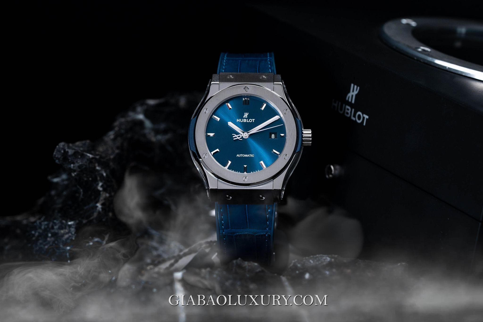 Đồng Hồ Hublot Classic Fusion Blue Titanium 42mm 542.NX.7170.LR