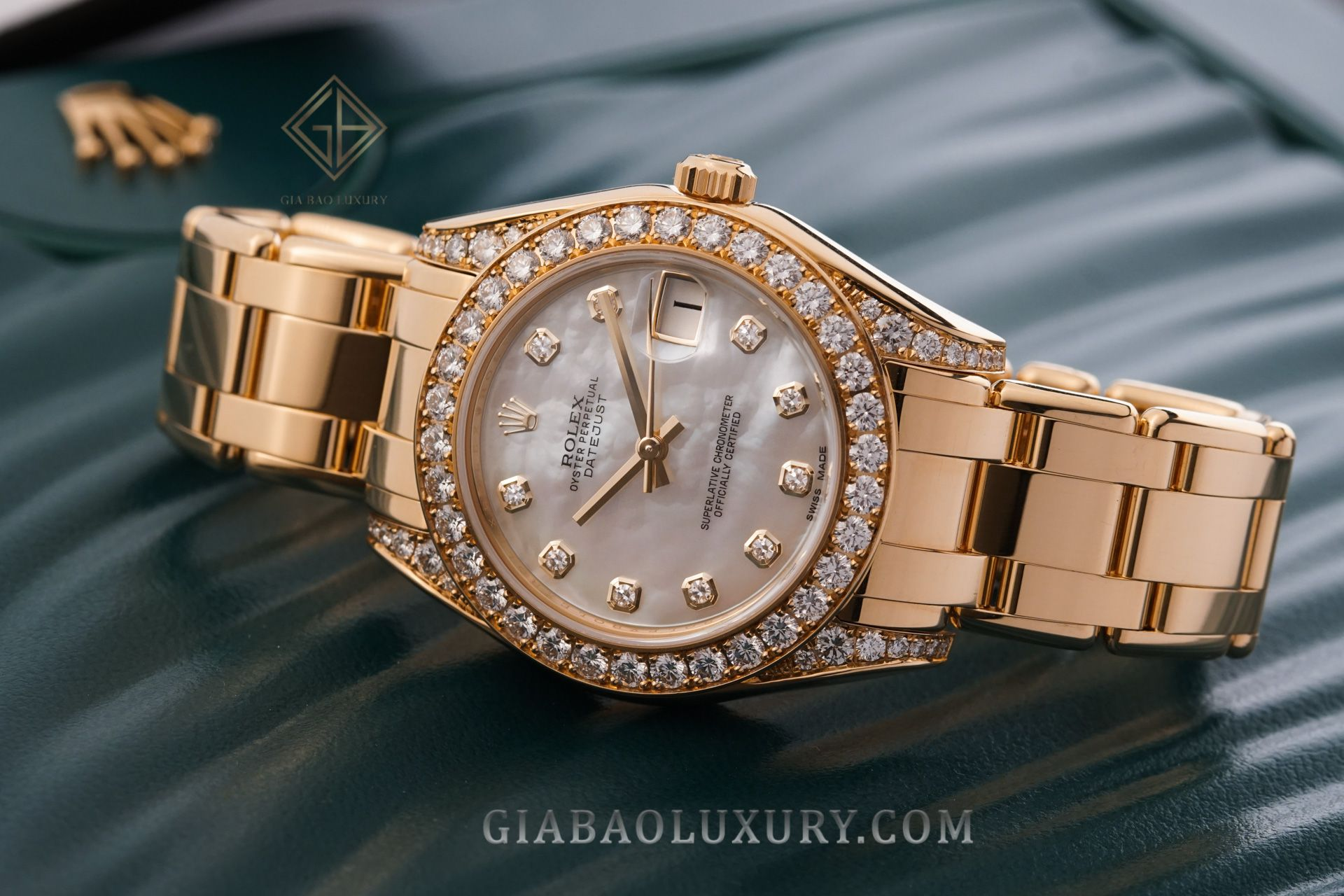 Gia Bảo Luxury thu mua đồng hồ Rolex Pearlmaster chính hãng
