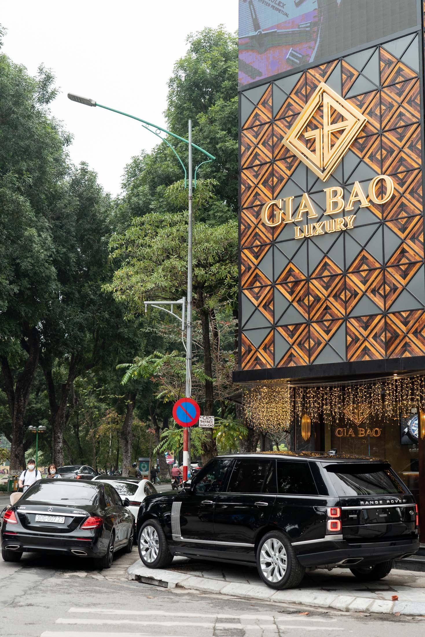 Boutique Gia Bảo Luxury chi nhanh Hà Nội tại 69 Quang Trung, Nguyễn Du, Hai Bà Trưng